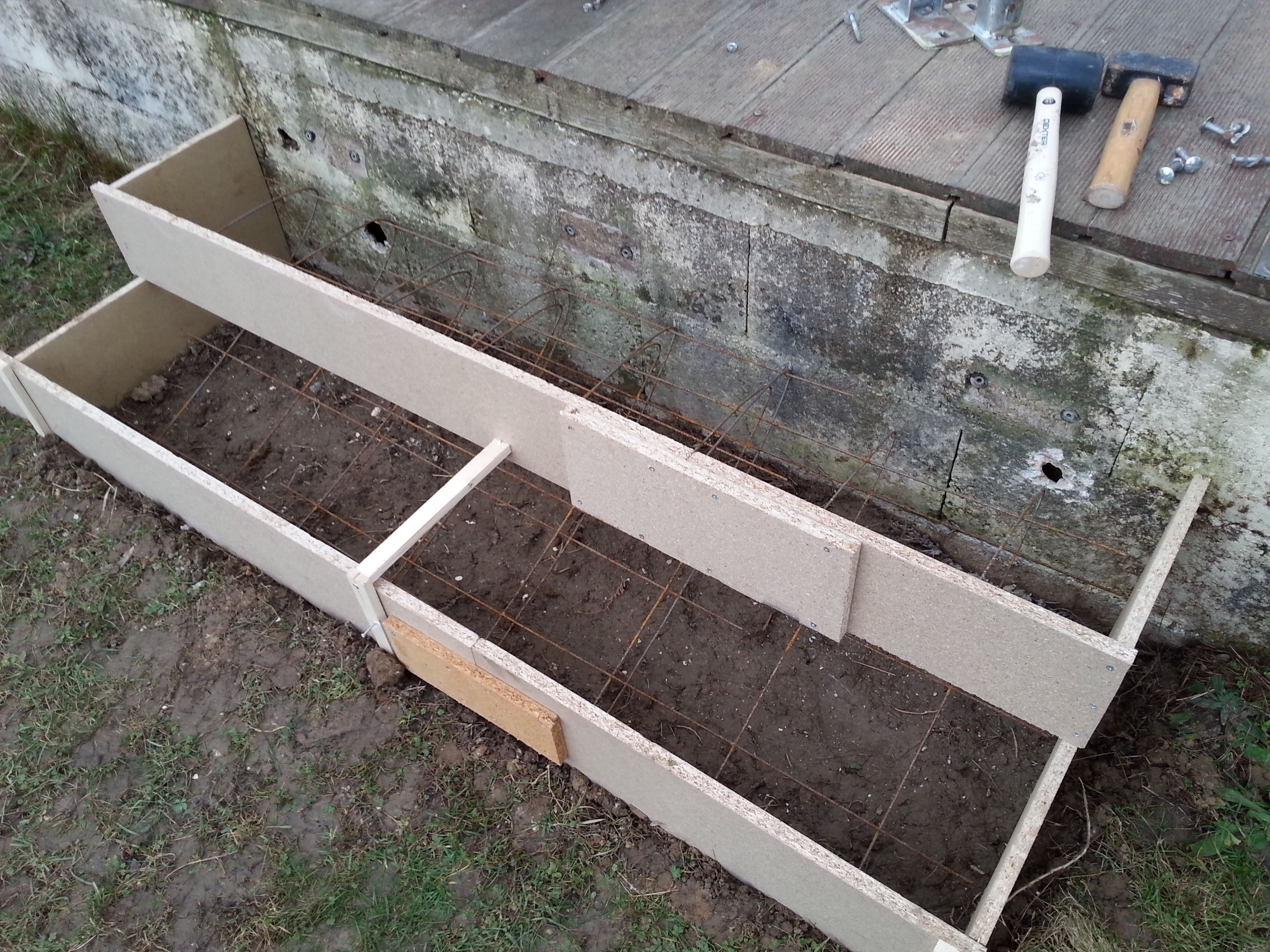 terrasse beton avec marche