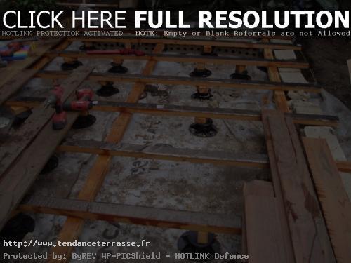 Terrasse bois composite sur plots pvc