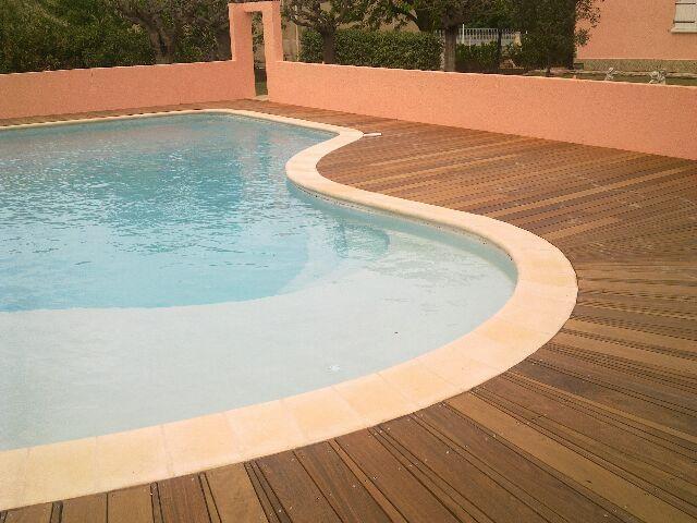 terrasse bois piscine nimes