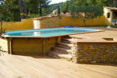 Terrasse bois piscine surelevee