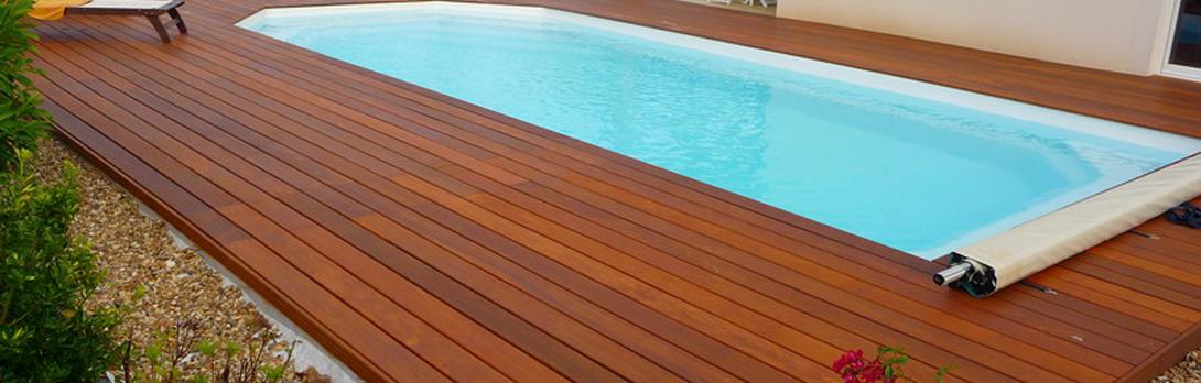 terrasse bois pour piscine