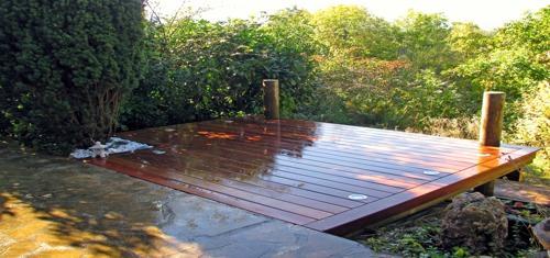 Terrasse bois pour piscine autoportee