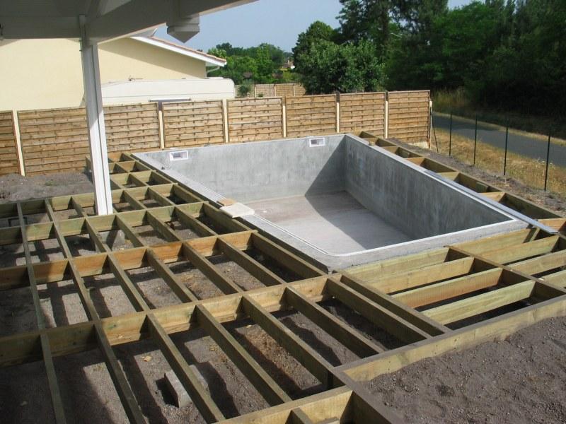 terrasse bois pour piscine hors sol
