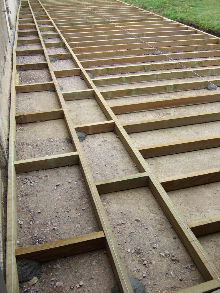 Terrasse bois sur lambourde