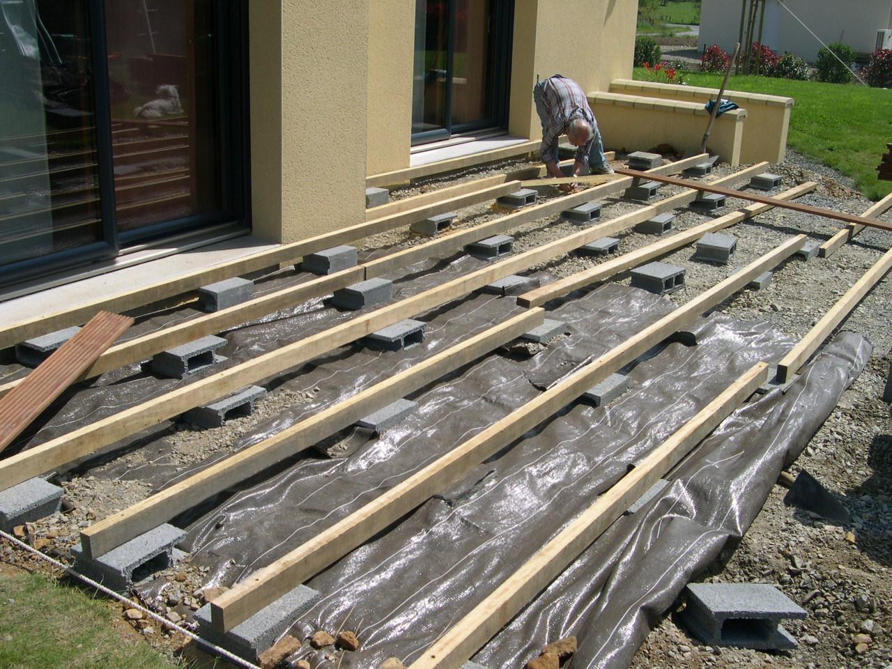 terrasse bois sur parpaing