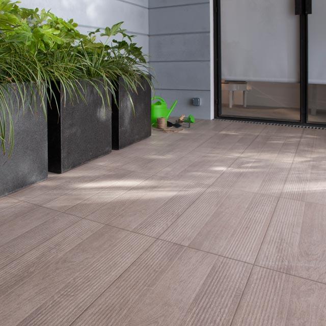 terrasse carrelage imitation bois exterieur