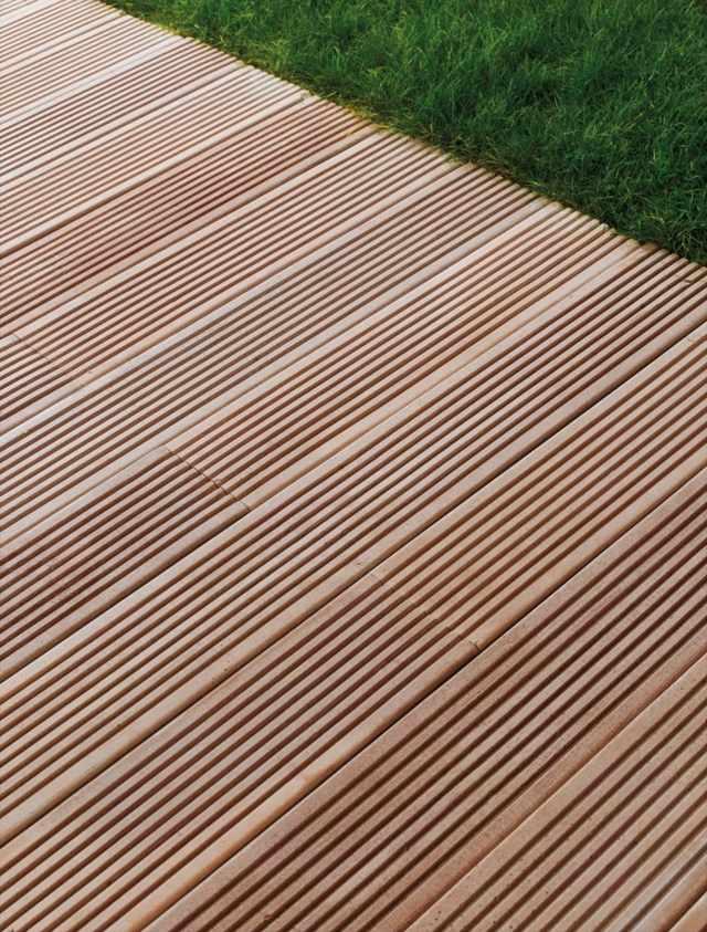 terrasse carrelage imitation teck