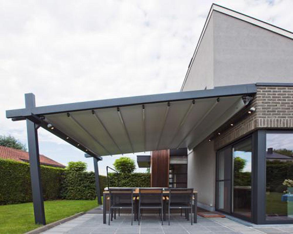 Terrasse couverte avec carport