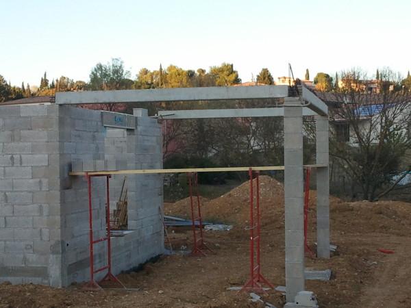 terrasse couverte avec poteaux beton