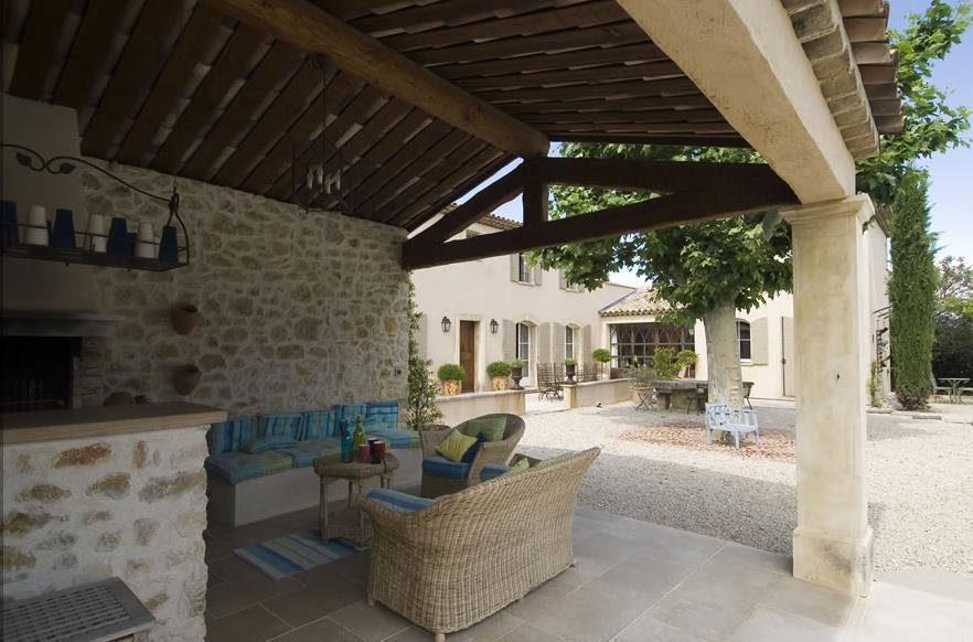terrasse couverte provencale