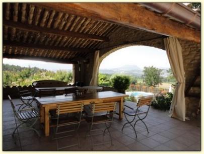 terrasse couverte provence
