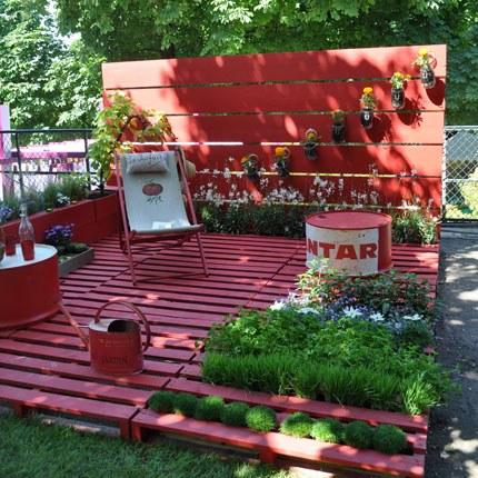 terrasse de jardin avec des palettes