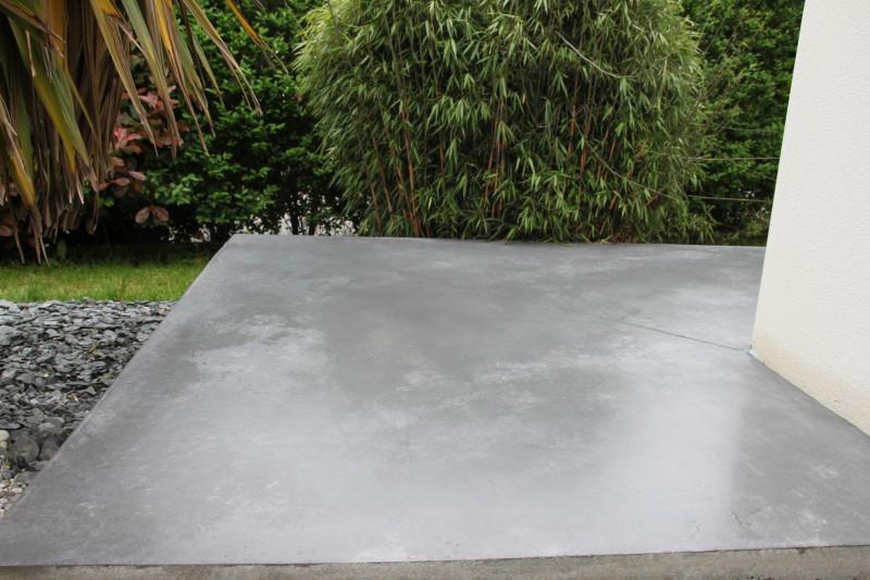 Terrasse exterieure beton lisse