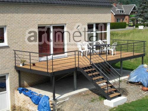 Terrasse metallique suspendue prix