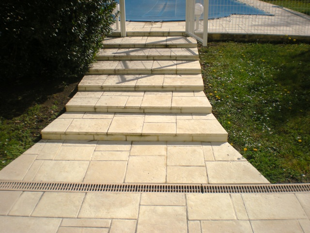 terrasse pierre naturelle ou reconstituee
