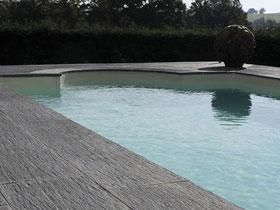 terrasse piscine carrelage