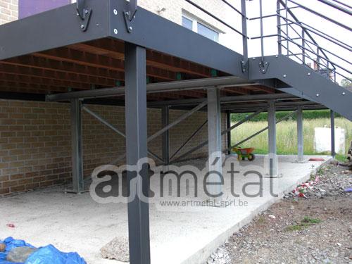 Terrasse sur pilotis structure acier