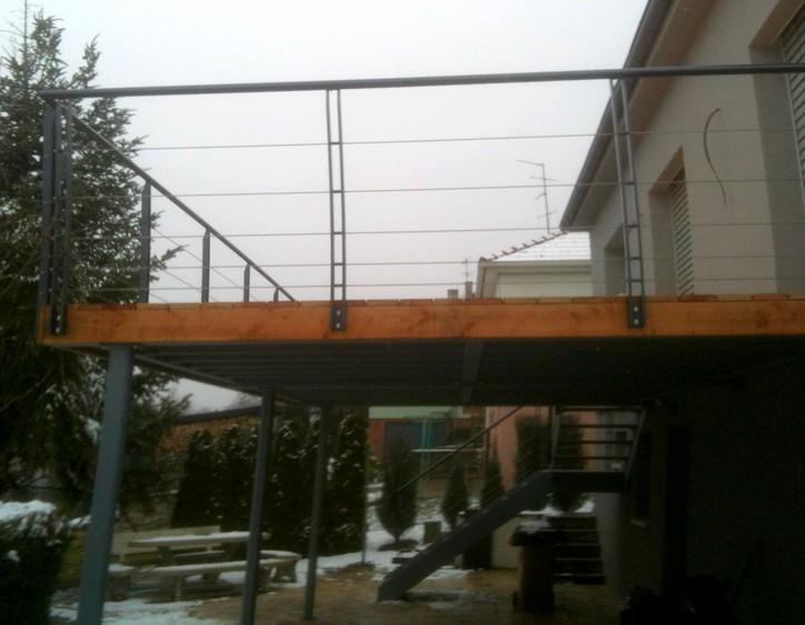 terrasse suspendue en fer
