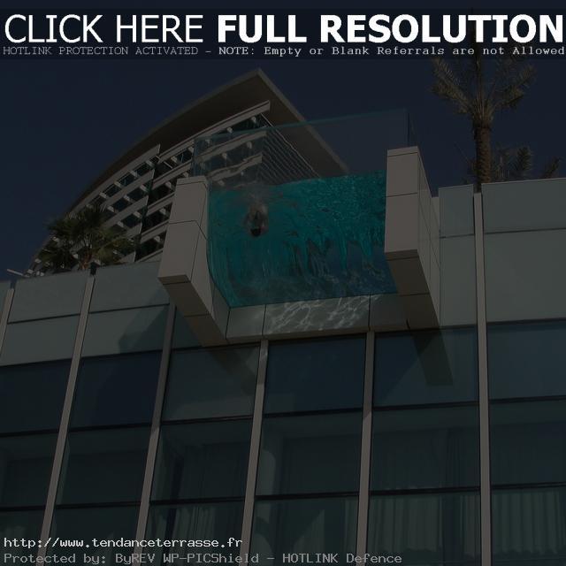 terrasse suspendue en verre