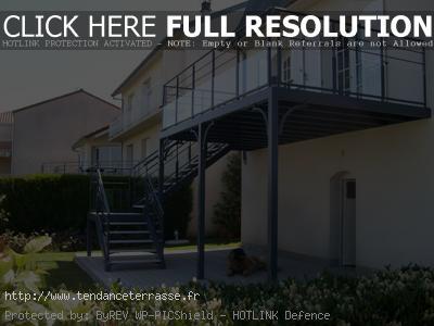 Terrasse suspendue structure metallique