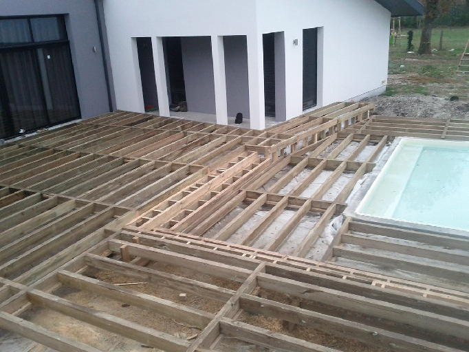 Terrasse teck bordeaux